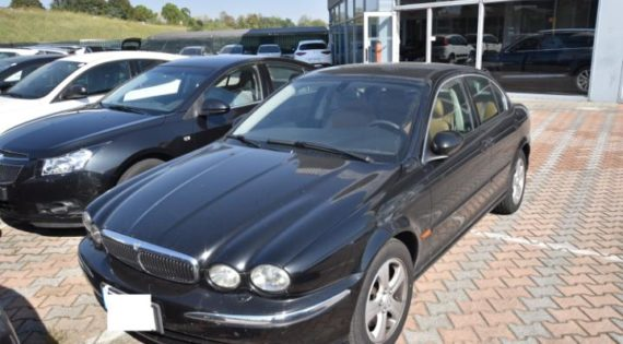 Jaguar X-Type 3.0 V6 24V